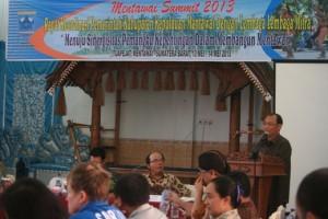 Pidato pembukaan Bupati Mentawai / Mathias Hariyadi