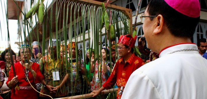 Misi Bakti Kasih KBKK ke Palangka Raya, Kalteng: Check-up Medik dan Potong Pantan (4)
